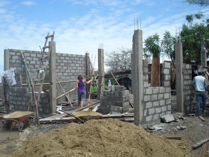 crucitas-new-house-during